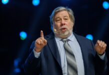 Facebook Slandered by Apple Co-founder Steve Wozniak- feature image